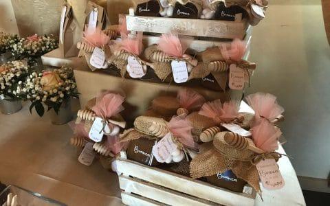 bomboniere vasetti di miele con spargimiele,tulle e confetti